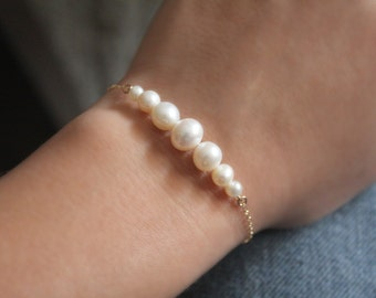 Gradient Pearl Bracelet // Gold or Silver