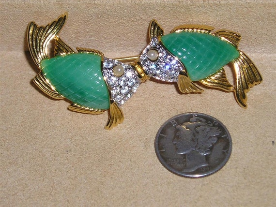 Signed kenneth lane brooch vintage kissing koi fish with clear for Green koi fish for sale