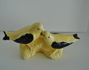 Vintage YELLOW BIRD PLANTER Mid Century Yellow and Black Kitchen