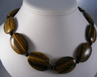 Vintage Tiger Eye Necklace  Lot 3307