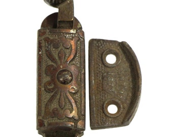 Highly ornate single high profile Victorian latch