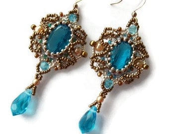 Vintage style beaded earrings. Blue and bronze earrings. Dangle drop earrings. Wedding earrings.