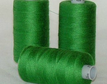 GUTERMANN Mara 100 Polyester Thread One (1) Spool 1,094yd GREEN GRASS 396