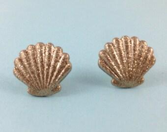 Gold Clamshell Earrings, Shell Earrings, Nautical Earrings, Shell Jewelry, Summer, Beach Wedding, Nautical Jewelry, Birthday GIft, Shells