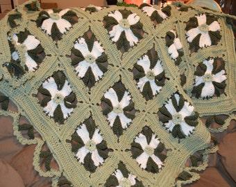 Granny Square Dogwood Motif Afghan