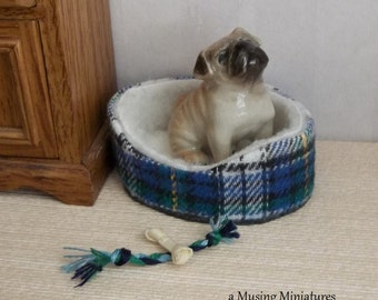 Blue Green Plaid Dogbed for Small Breeds in 1:12 Scale for Dollhouse Miniature Roombox
