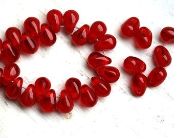 4x6mm Red Teardrop beads, czech glass tiny drops, pressed beads - 50Pc - 2498