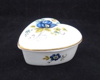 Vintage Royal Tara Heart Shaped Trinket Box, Ireland Bone China, Galway China Trinket Box, UK Seller