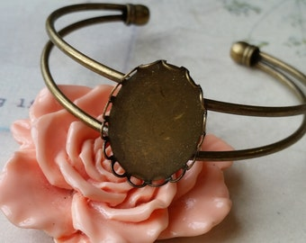 21 x 64 mm (fit for 25 x 18 mm glass cabochon) Antiqued Bronze Filigree Bangle Bracelet Setting With 1 matching cabochon (a.mn)