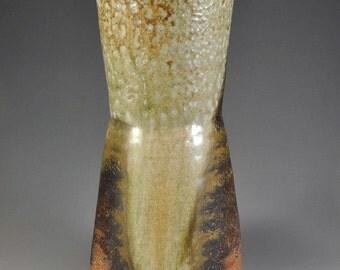 Shigaraki, anagama, ten-day anagama wood firing, with natural ash deposits flower vase. hana-54