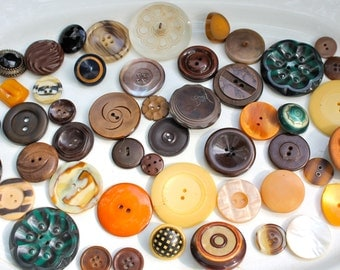 Lot of vintage buttons