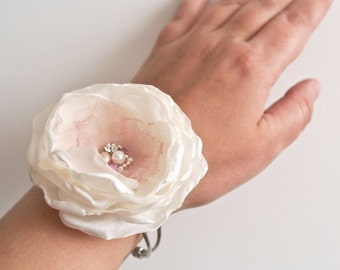 Ivory Flower Wrist Corsage Wedding Bridal Floral Bracelet Prom Corsage Bridal Accessory Flower Wrist Corsage Pink Rose Pearls Rhinestones