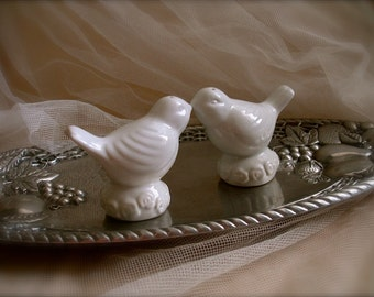 Love Birds,  Shabby Chic Vintage white birds salt and pepper shakers, white doves salt and pepper shakers