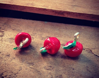 4 Pcs Enamel Apples Red and Green Apple Charms Silver School Fall Autumn Harvest (F068)