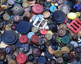 1 lb Vintage Grab Bag of Buttons 2D