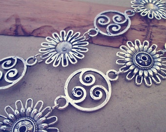 3ft  Antique Silver Metal Tibetan Style Beautiful Flower Chain  30mmx30mm