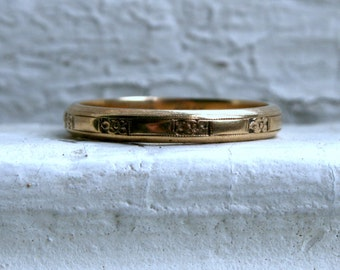 Vintage Floral 14K Yellow Gold Wedding Band by Orange Blossom.