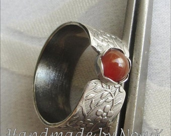 Silver Brown Agate ring - Textured Wide band ring - size 8 - Delicate ring - Statement ring