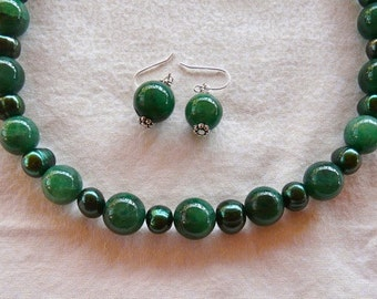SALE!   18 Inch Green Agate and Pearl Necklace with Earrings
