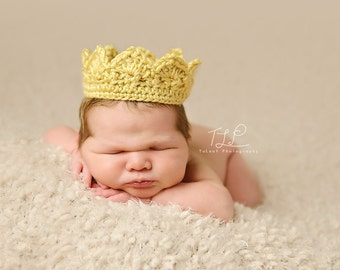 Newborn Crown Boy or Girl Crochet Photo Prop Pick Your Color