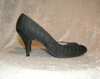 Palter DeLiso Shoes 1950's Black Embossed Stripe Rhinestone Embellished Heels Size 7-1/2 aaa