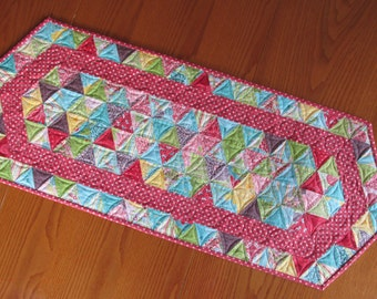 Beautiful Chantilly Quilted Table Runner with Red Stripe
