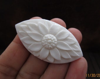 Excellent carved Flower ,Buffalo  Bone Carving, Jewelry making Supplies  S3332