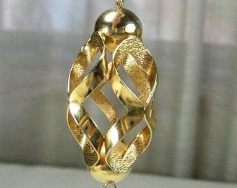 Vintage Gold Tone Tassle Pendant Necklace