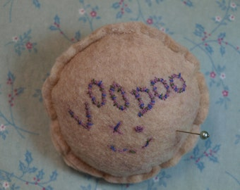 Voodoo magnetic pincushion in purple and blue