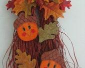 Acorn Bow Raffia, Fall decor, door hanger, fall leaves. wall decor