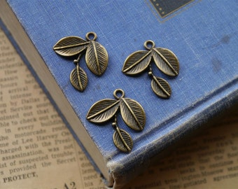8 pcs Large Antique Bronze Leaf Charms 28mm (BC2036)