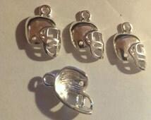 24 Tibetan Style Charms Helmet Football High School Antique Silver Finish -  Jewelry Super bowl