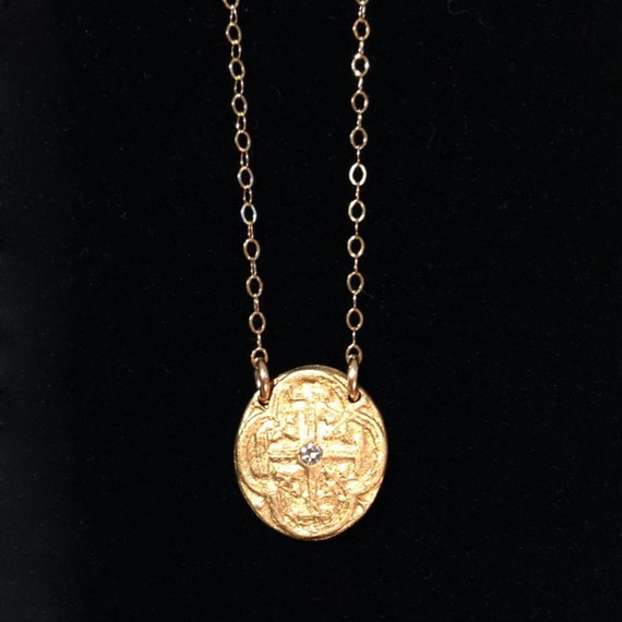 Mini Medallion Necklace I in bronze and gold