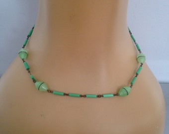 1930's Green Glass Bead Necklace