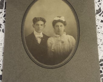 Vintage 1800s Photograph Couple 3 X 4 1/4 inches