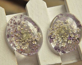 4pcs lovely  dry lace  flower embeded in crystal resin cab   pendant finding  30*40mm