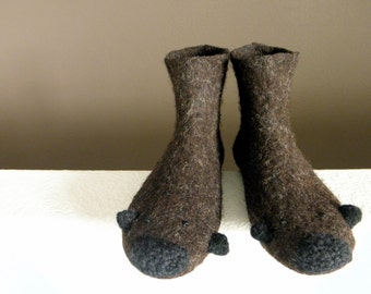 Mouse/ Animal Felted Wool Boots/ Wool Felted Boots/ Outdoor Shoes/ Outdoor Boots. - Slow design. momoish made.