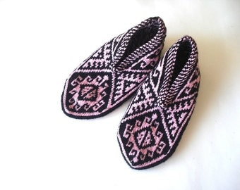 knit slippers, womans slippers, black powder pink geometric Slippers, Turkish Socks, knit socks, home shoes, christmas gifts for her woman