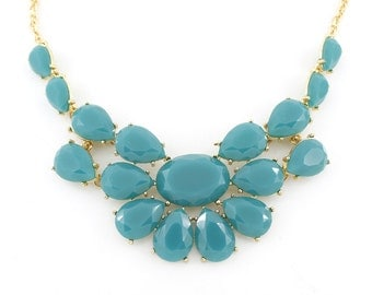 Beautiful Gold-tone Light Sea Green Statement Necklace