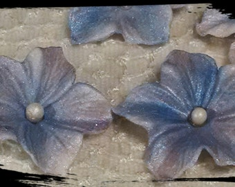24 Edible BLOSSOM / PETUNIA flowers / any color /Gum Paste / fondant flowers / sugar flowers / cake  decorations / cake or cupcake topper