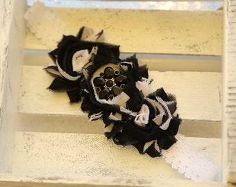Black & White Shabby Flowers Headband (Black and White)