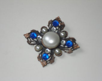Vintage Pearl and Rhinestone Brooch - Blue Square Antiqued Tone Pin - Retro Costume Jewellery - 1980's