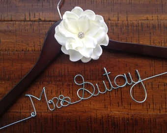 Bride Hanger, Bridal Hanger, Personalized Wedding Hanger, Bridesmaid Hangers, Bride Gift, Bridal Shower Gift, Engagement, Wedding Photo Prop
