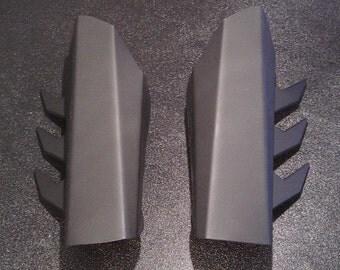 Metal Batman Gauntlets - Classic Fin Style