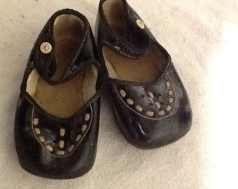 Adorable Black Leather Children's Shoes