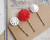 Button Bobby Pin, Vintage Button Hair Pin,Red White Flower Hair Pin, Bobby Pin, Hair Clip, Bobby Pins, Vintage Inspired Hair Pins