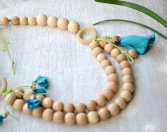 Wrap Scrap Nursing necklace,Teething necklace, with ring and flower, Blue green beige,