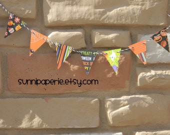 Small Halloween Print Paper Pennant Banner