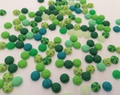 Greens enamel dots 50 pieces