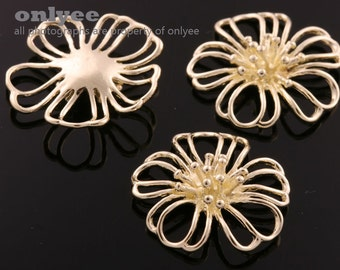 8pcs-22mmX22mm Gold plated over Brass Large cosmos flower blossom Charms, Pendants (K595G)